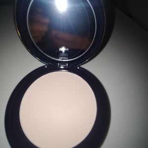 1C1 Cool Bone Estee Lauder Powder